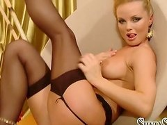 Horny blondie Silvia Saint  gives a..