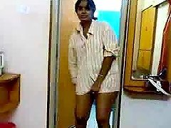 Naughty Indian girl shows her legs in..