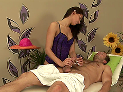 Hot Masseuse Rides Her Client's Big..