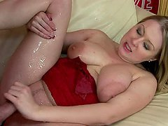 Kinky vivien White drinks pee and gets..