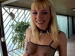 Hot sluts enjoying a very sexy cumswap..