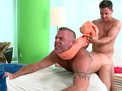 Lusty gay masseur gets barebacked on..