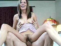 Mature hottie gets her hairy pussy..