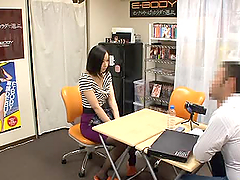 Slutty Japanese girl gives a blowjob..