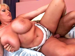 Sweet milf gets deep pounded