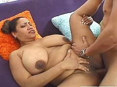 Chubby Indian housewife gets fucked..