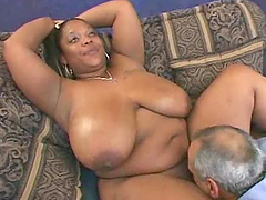 Curvy ebony whore gets her meaty pussy..