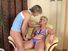 Bibi Taylor the kinky mature lady shows her passion for sex