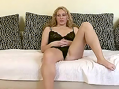 Delicious blond sirens Nyomi and Petra..