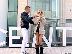 Blonde babe sucking a stranger off..