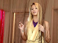 Exotic hottie Natali fingers her Asian..