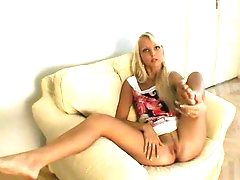 Casting with slender long legs blonde..