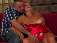 A glorious granny gets her loose holes..