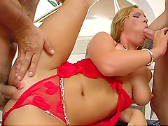 Sexy blonde in hard threesome
