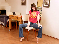 Pussy exhibition by a slender teen Ayane