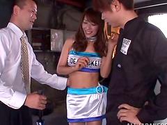 Stunning Ria Horisaki gets threesomed..