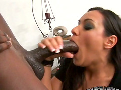 Charley Chase sucks and deepthroats a..