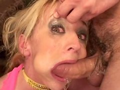 Kelly Wells gets mouth-fucked and..