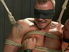 Bondage sex with gay men and ropes!