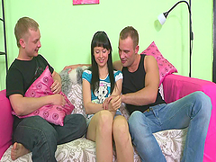 A hot teen Bony loses her V card to a..