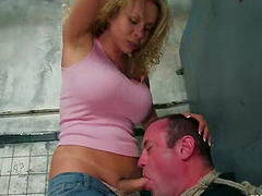 Kinky curly haired tranny is enjoying..