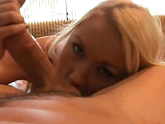 Blonde gets fucked in homemade porn