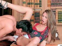 Hot sex siren Anjelica fucks boner in..