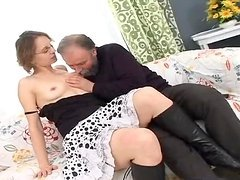 A Hard Fuck For The Kinky Mom Beauty..