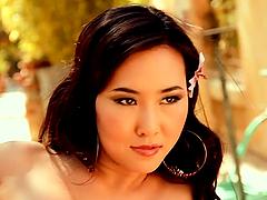 Vivian Keys the sexy Asian girl poses..