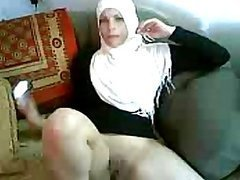 Lustful Amateur Arab MILF Sucks Cock..
