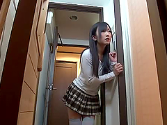 Horny Japanese slut gives a blowjob in..