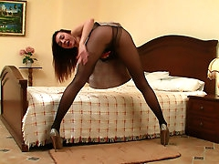 Sabrina gives hot pantyhose solo