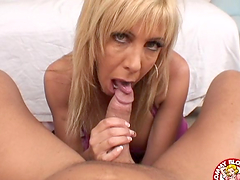 Milf with big tits munches a fucking..