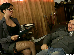 Asia Morante the psychotherapist gets..