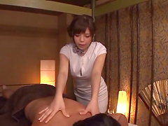 Helpful Japanese girl Rina Itou gives..