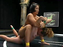 Lesbian wrestling among to kinky ladies