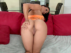 Rachel Starr gives blowjob in car and giggles her big ass during sex