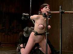 Kinky Nerine Mechanique gets tortured..