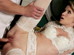 Blonde bride Angel Piaff gets her vag..