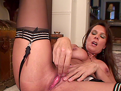 Sexy milf takes off her clothes and..