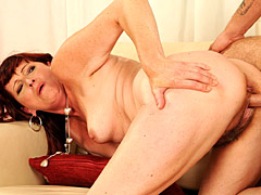Cock is hot in mature pussy