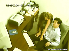 Secretary jerks off her boss in..
