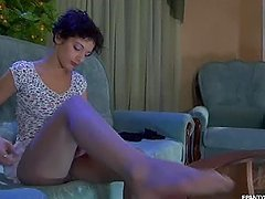Inessa Changes Her Pantyhose In..