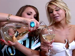 Four hot girls have lesbian orgy at a..