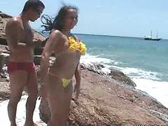 Brazilian sweetie Aline gets her pussy..