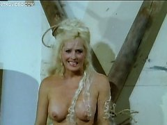 Hot Retro Blonde Edy Williams Shows..