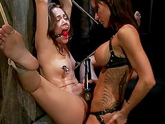 Gia Dimarco smashes Kristina Rose's..