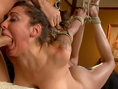 Princess Donna Dolore gets her mouth..