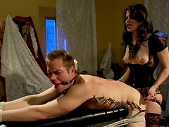 Bobbi Starr Gives Guy Torture and Face..