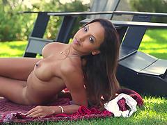 Divine Latina siren Arianna Varella is..